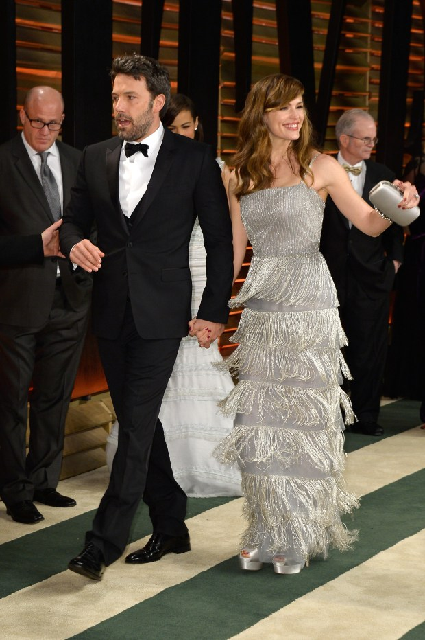WEST HOLLYWOOD, CA – MARCH 02: Actors Ben Affleck (L) and Jennifer Garner attend the 2014 Vanity Fair Oscar Party hosted by Graydon Carter on March 2, 2014 in West Hollywood, California. (Photo by Pascal Le Segretain/Getty Images)