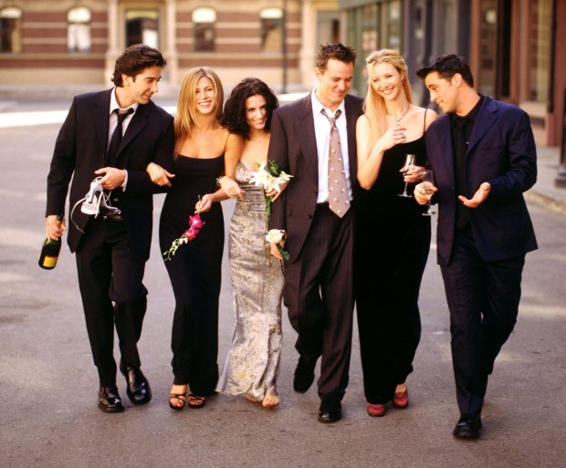 "TThe NBC series ""Friends"" starred David Schwimmer, left, as Ross Geller, Jennifer Aniston as Rachel Green, Courteney Cox as Monica Geller, Matthew Perry as Chandler Bing, Lisa Kudrow as Phoebe Buffay and Matt LeBlanc as Joey Tribbiani. (Warner Bros.)"
