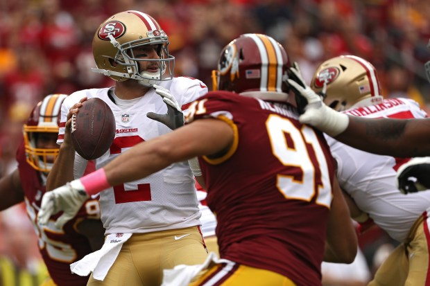 LANDOVER, MD - OCTOBER 15: Quarterback Brian Hoyer #2 of the San Francisco 49ers looks to pass against the Washington Redskins during the first half at FedExField on October 15, 2017 in Landover, Maryland. (Photo by Patrick Smith/Getty Images)