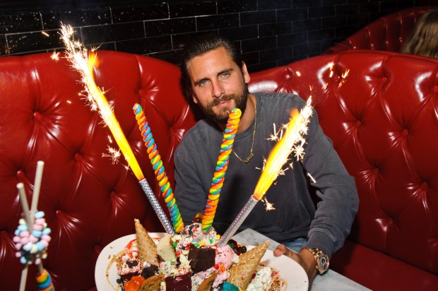 ROSEMONT, IL - AUGUST 27: Scott Disick visits Sugar Factory American Brassiere on August 27, 2016 in Rosemont, Illinois. (Photo by Timothy Hiatt/Getty Images for Sugarfactory American Brassiere in Rosemont Chicago)
