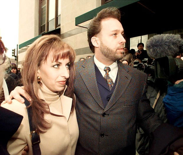 Paula Jones and her husband Stephen Jones arrive at the offices of President Clinton's personal attorney, Robert Bennett, Saturday, Jan. 17, 1998 in Washinton. Clinton and Jones were meeting as the president faced unprecedented questioning by her lawyers, under oath, about her accusation that he asked her for sex seven years ago. (AP Photo/Greg Gibson)