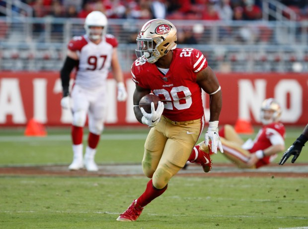 San Francisco 49ers' Carlos Hyde (28) runs with the ball against Arizona Cardinals in the second quarter of their NFL game at Levi's Stadium in Santa Clara, Calif. on Sunday, Nov. 5, 2017. (/Bay Area News Group) (Josie Lepe/Bay Area News Group)