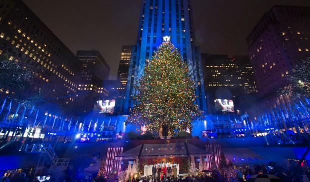 "CHRISTMAS IN ROCKEFELLER CENTER -- Pictured: ""Christmas in Rockefeller Center"" Key Art -- (Photo by: NBCUniversal)"