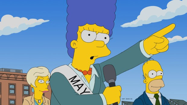 """THE SIMPSONS: Frustrated with the local government, Marge decides to run for Mayor. To win public support, she begins making Homer the butt of her jokes in the all-new """"The Old Blue Mayor She Ain't What She Used To Be"""" episode of THE SIMPSONS airing Sunday, Nov. 12 (8:00-8:30 PM ET/PT) on FOX. THE SIMPSONS ™ and © 2017 TCFFC ALL RIGHTS RESERVED."""