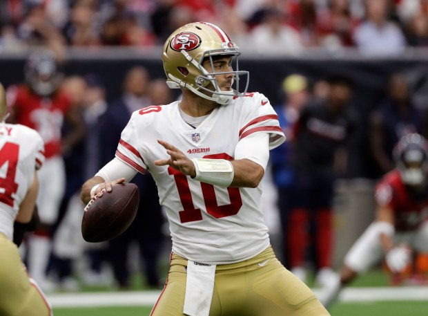 Garoppolo leads 49ers to back-to-back wins