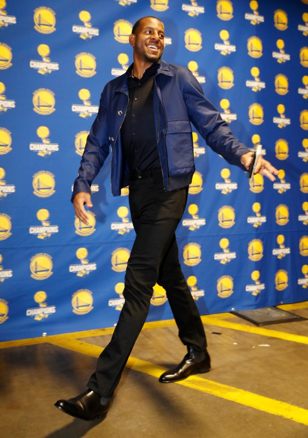 Golden State Warriors' Andre Iguodala (9) heads into Oracle Arena before their game against the Orlando Magic in Oakland, Calif. on Monday, Nov. 13, 2017. (Nhat V. Meyer/Bay Area News Group)