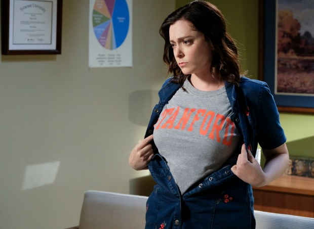 """Crazy Ex-Girlfriend -- """"Nathaniel Needs My Help!"""" -- Image Number: CEG308a_0188.jpg -- Pictured: Rachel Bloom as Rebecca -- Photo: Scott Everett White/The CW -- © 2017 The CW Network, LLC. All Rights Reserved."""