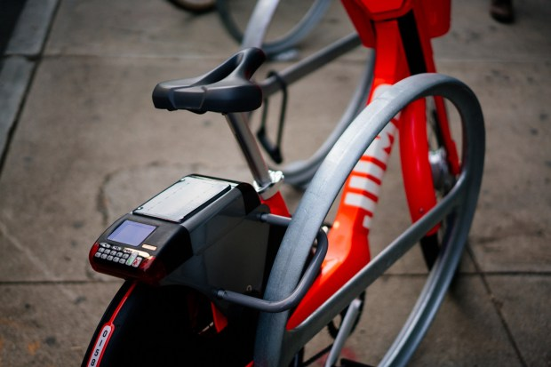 JUMP Bikes utilize an integrated U-lock to secure the bikes to racks, without the bikes having to be left at a particular docking station. (Courtesy JUMP Bike)