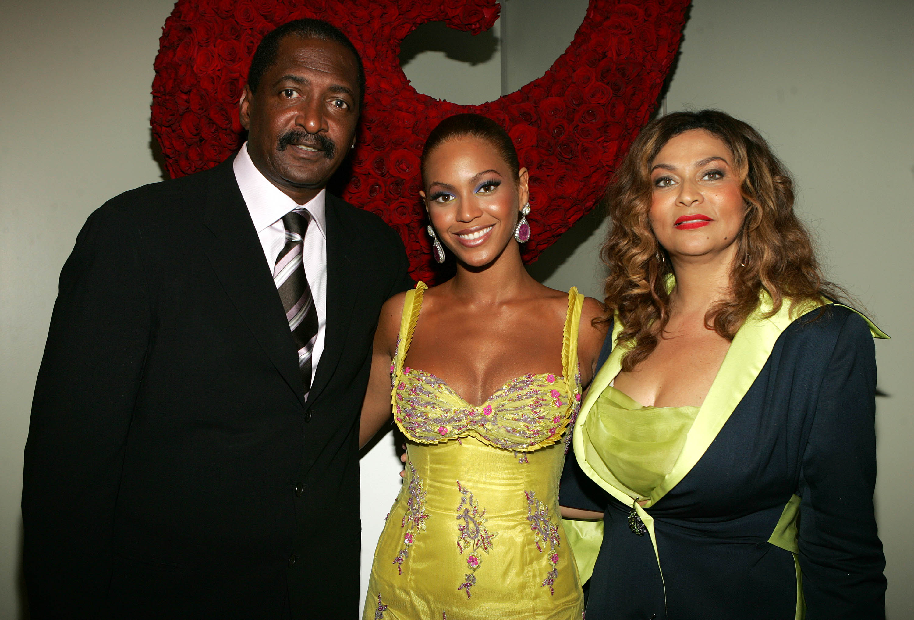 https www mercurynews com 2018 02 05 beyonces father admits he dated her mother because he thought she was white