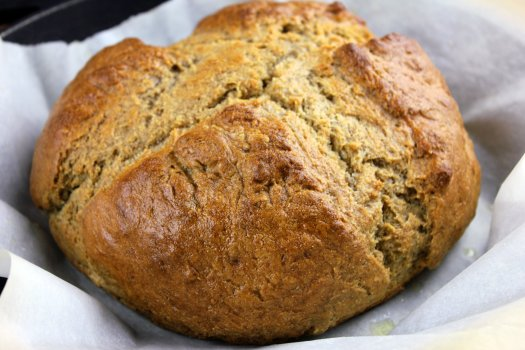 Fresh thyme adds a delicate floral flavor to traditional Irish soda bread. (Thinkstock)