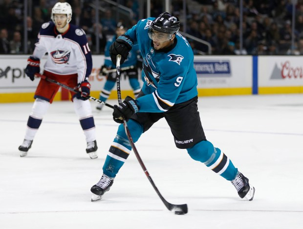 San Jose Sharks' Evander Kane (9) shoots the puck and scores his first goal as a Shark against the Columbus Blue Jackets in the third period at the SAP Center in San Jose, Calif., on Sunday, March 4, 2018. (Nhat V. Meyer/Bay Area News Group)