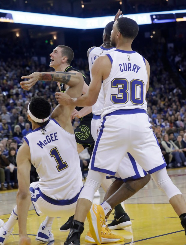 Warriors Stephen Curry To Miss Rest Of Nba Reguiar Season
