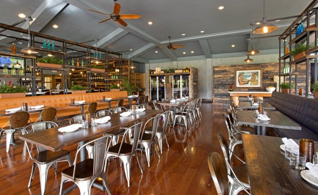 Taverna Urban Drinks + Italian Eats was awarded 2017 Best New Restaurant byHawai'i Magazine for its fresh, upscale Italian cuisine and cocktail program. (Photo: Courtesy of Taverna)