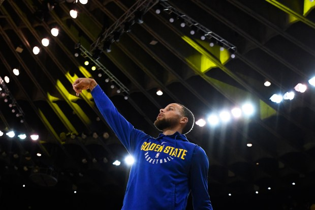 Golden State Warriors' Stephen Curry (30) warms up before Game 5 of their NBA first-round playoff series at Oracle Arena in Oakland, Calif., on Tuesday, April 24, 2018. (Jose Carlos Fajardo/Bay Area News Group)