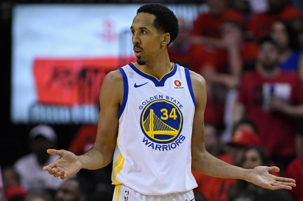 Golden State Warriors' Shaun Livingston (34) gestures after a foul while playing against the Houston Rockets during the fourth quarter of Game 2 of the NBA Western Conference finals at Toyota Center in Houston, Texas, on Wednesday, May 16, 2018. The Houston Rockets defeated the Golden State Warriors 127-105. (Jose Carlos Fajardo/Bay Area News Group)