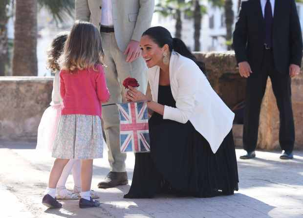 report meghan markle to raise baby in gender neutral way report meghan markle to raise baby in