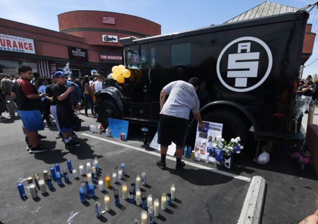 85633d91207481 Nipsey Hussle went to store without security to help friend