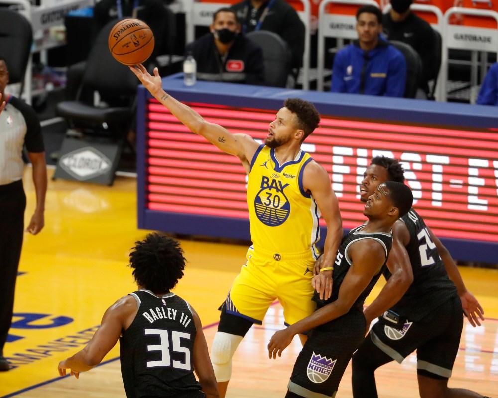 Steph Curry, Draymond Green take control, Warriors beat Kings, 137-106