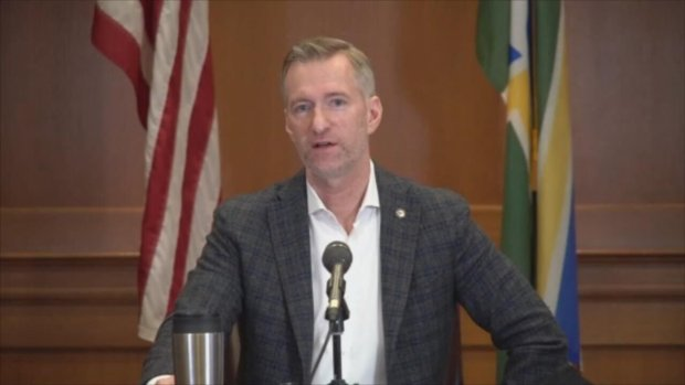 Portland mayor pepper-sprays man who accosted him over mask use