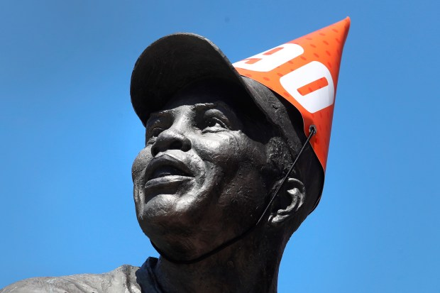 It's all smiles as Giants throw Willie Mays a 90th birthday party