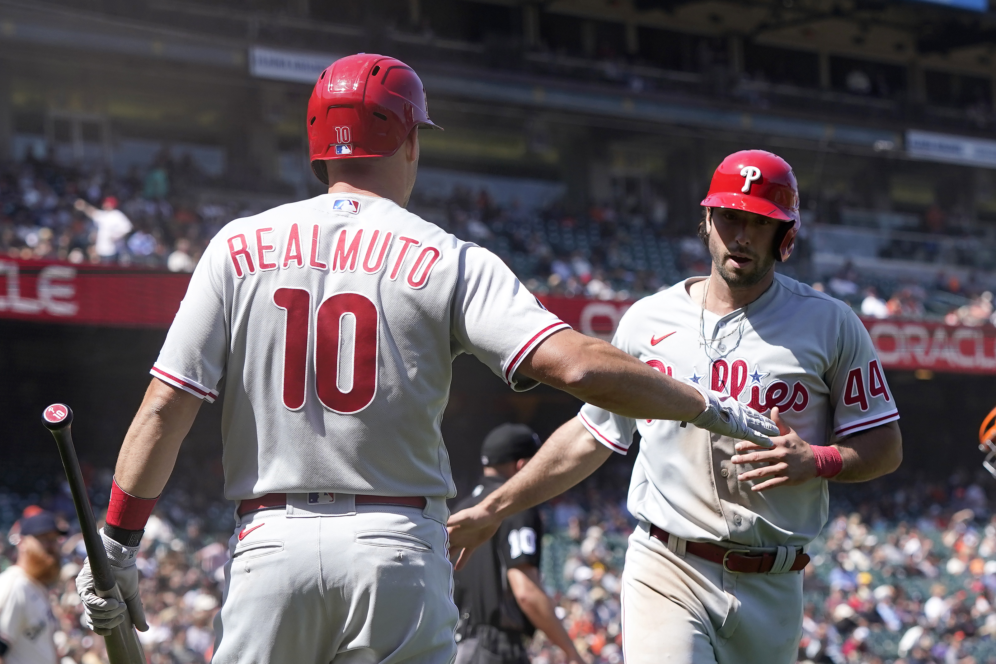 Giants' Alex Wood, bullpen roughed up in blowout loss to Phillies