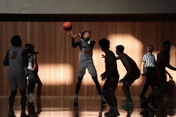 Prep basketball: Riordan advances to CCS Open final in wild finish over St. Ignatius 5