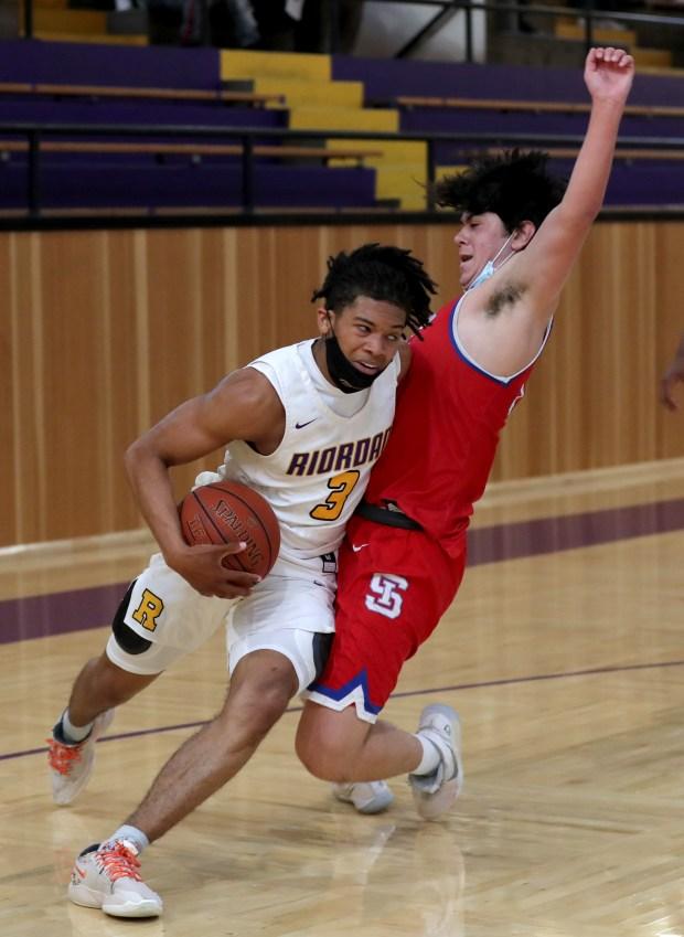 Prep basketball: Riordan advances to CCS Open final in wild finish over St. Ignatius 10