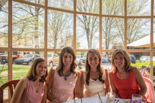 Mere Bulles Sunday and Holiday Brunch