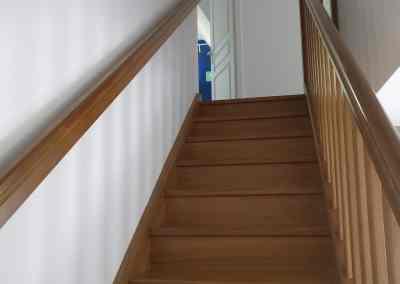 interdit escalier dangereux, motricité libre pas de barrière de sécurité