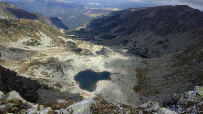 Lacurile glaciare Mandra Rosiile si Zanoaga Stanii din Parang