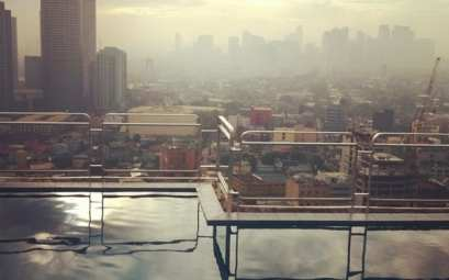 piscina con vistas a todo Manila