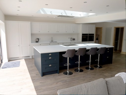 Blue & Porcelain Smooth Shaker Kitchen in Ringwood