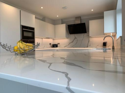 Contemporary True Handleless Kitchen in Bournemouth