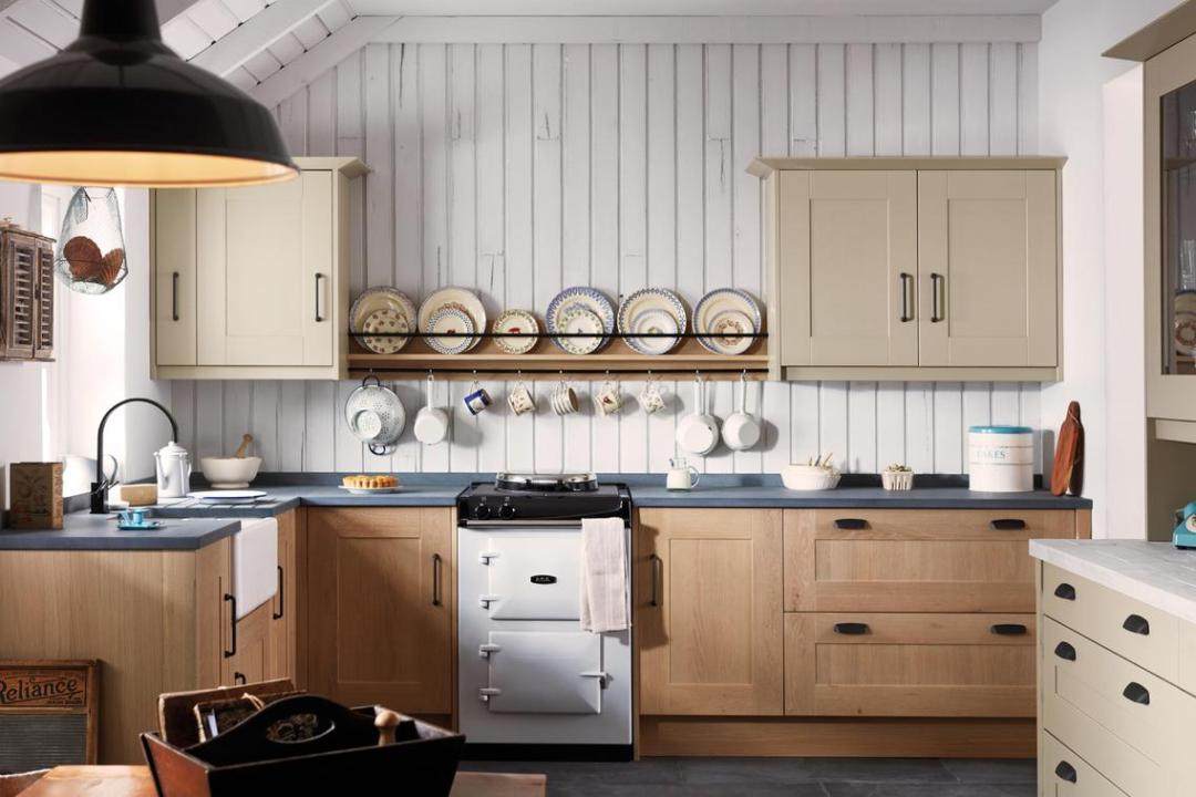 kitchens poole traditional   Meridien Interiors   Fitted Kitchens Dorset