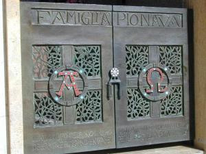 Cancello cappella funeraria 2