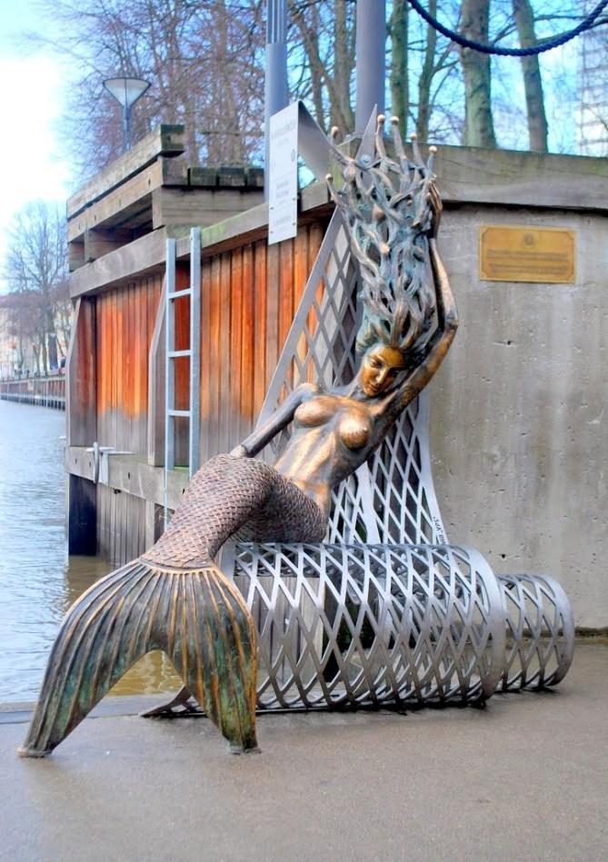 Undinė Klaipeda mermaid statue.  Photo by Gareth Parkes