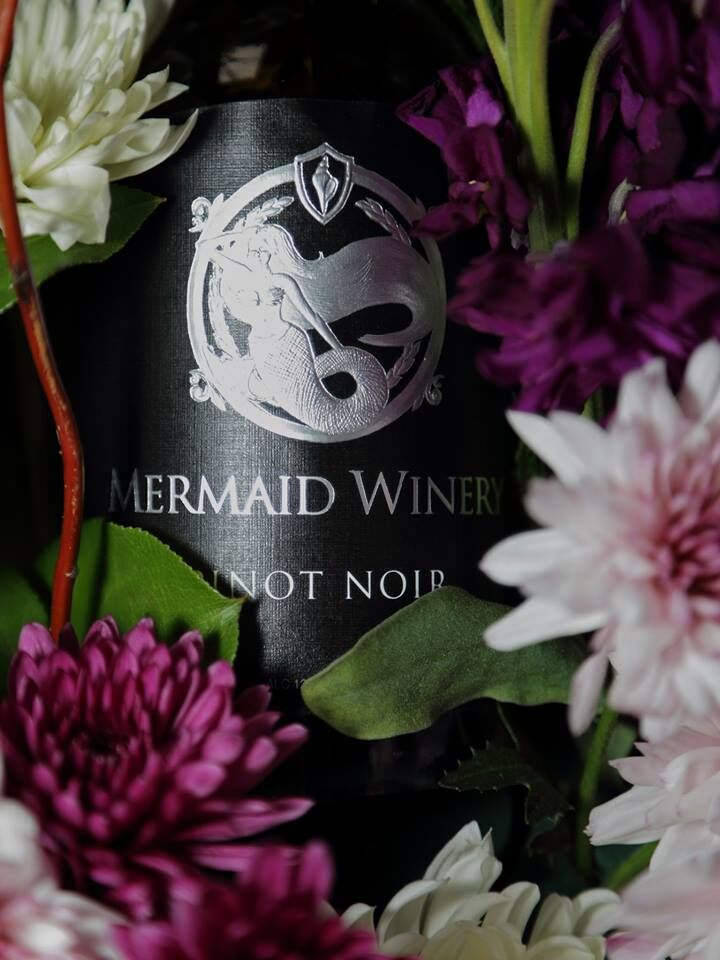 Mermaid Pinot Noir Bottle Picture