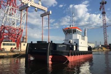 Mise à l'eau de la barge multiservice SEEM 19-1000ST « Oued Mekerra »