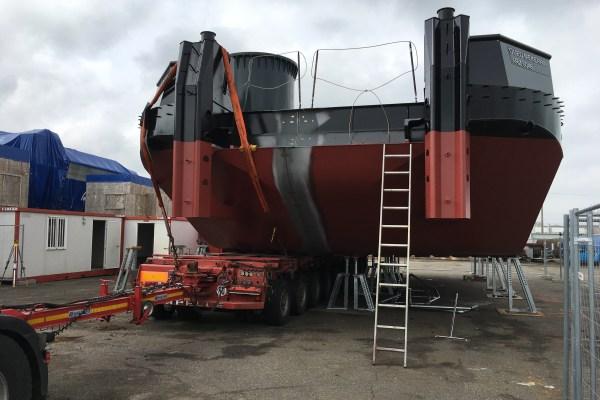 L'assemblage de la barge multiservice SEEM 19-1000ST a été réalisé