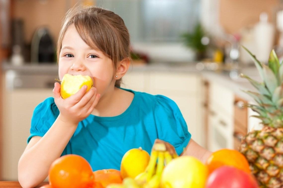 Anak Suka Makan Buah Memang Baik, Tapi Perlu Dibatasi   Merries - Popok  Bayi No. 1 di Jepang<