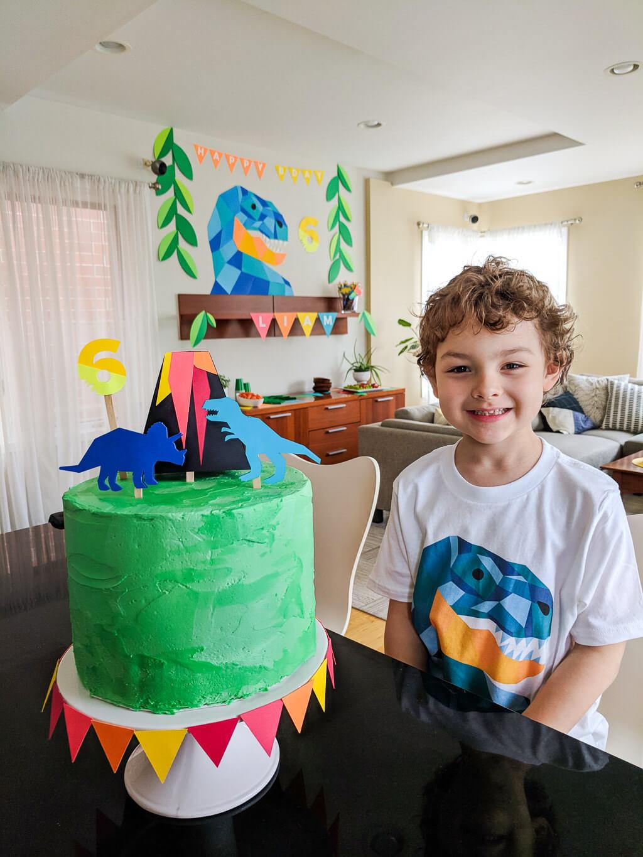 Easy Diy Dinosaur Cake Topper For A Dinosaur Birthday Party Merriment Design