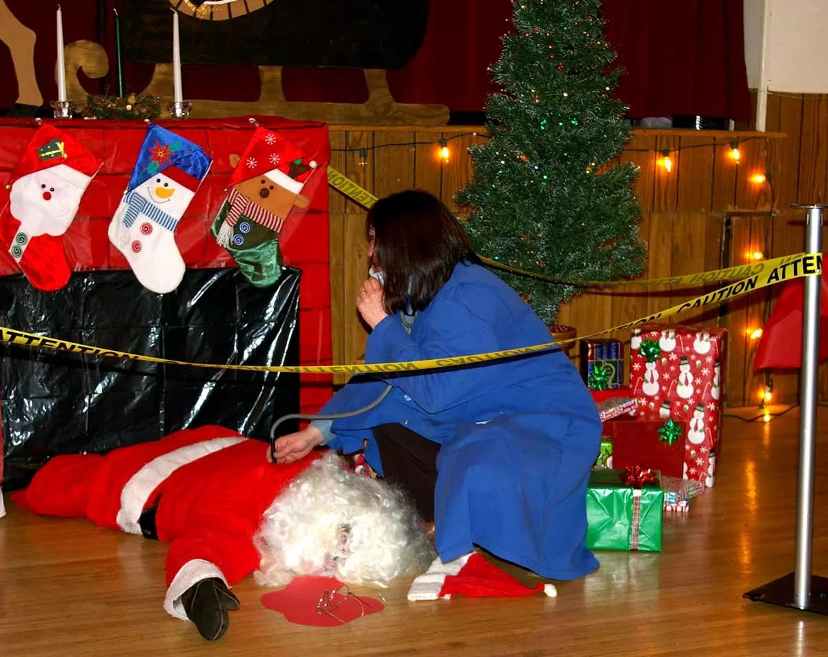 Santa as victim and with forensic doctor