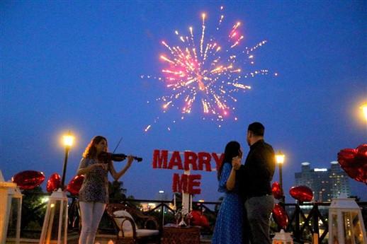restoranda evlilik teklifi