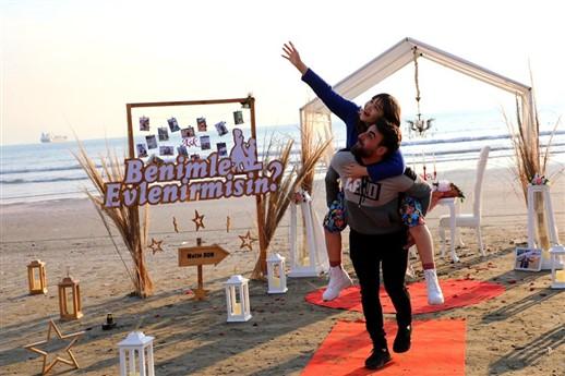 mersin sahilde evlilik teklifi