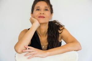 Pilar Fraile, la escritora del Paseo de la Isla