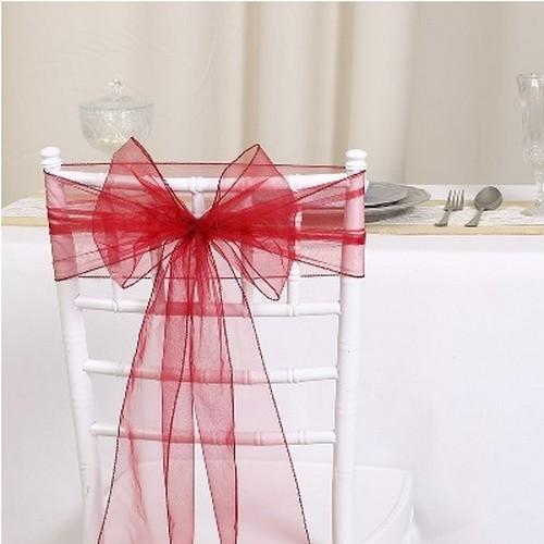 apportez une decoration mariage bordeaux avec