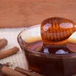 Des masques au miel faits maison pour les soins du visage
