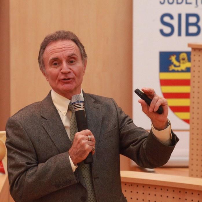 Jim Bagnola este cotat în top 30 de Leadership Guru Magazine | foto: Consiliul Județean Sibiu