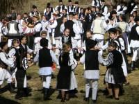 Întâlnire cu tradiţiile româneşti, în prag de sărbătoare, laGura Râului