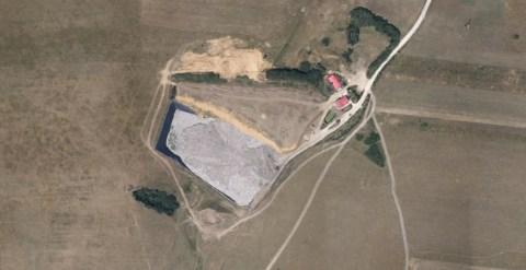 Amplasamentul depozitului ecologic de la Cristian   foto: Google Earth